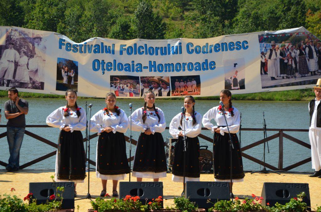 Ansamblul județului Satu Mare a debutat la Oțeloaia