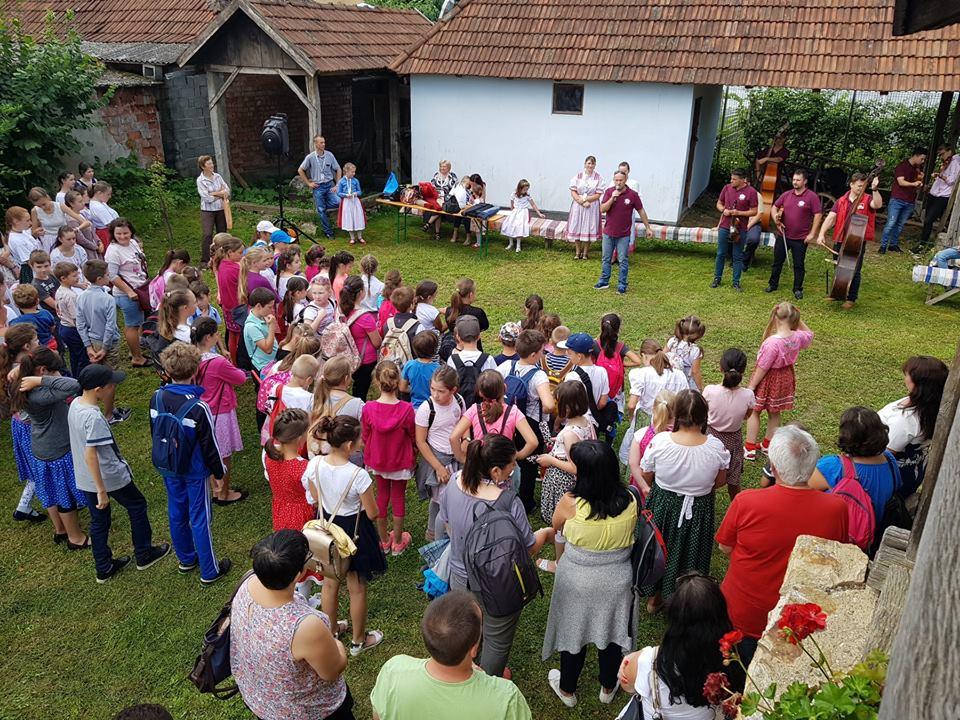 Tabăra de dansuri maghiare și meșteșuguri populare